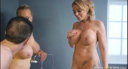 พี่สาวคนสวยมาอาบน้ำกับน้องชายเย็ดหีกันขอบอ่างโครตดีนมใหญ่มาก